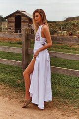 Endless Summer - Acantho White Embroidered