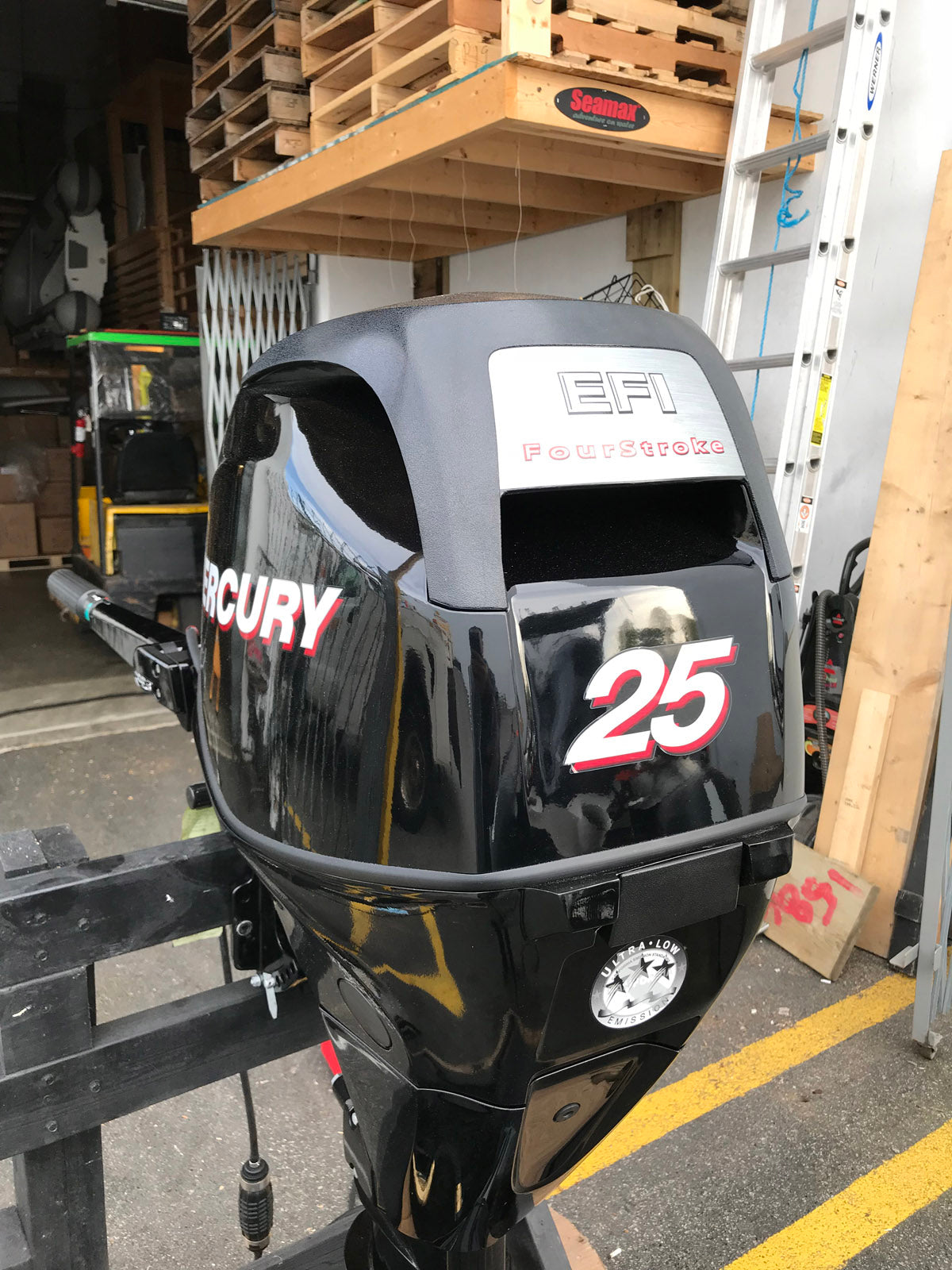 Mercury 25 HP Portable 4 Stroke Outboard Motor, Manual Start - Like New  Warehouse Deal