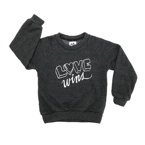 <transcy>KIRA KIDS- &quot;Love Wins&quot;Raglan 스웨트 셔츠</transcy>