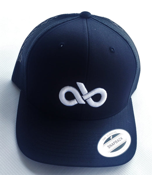 Black/White mesh back snap back cap