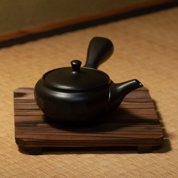 Faceted Kuro Kyusu