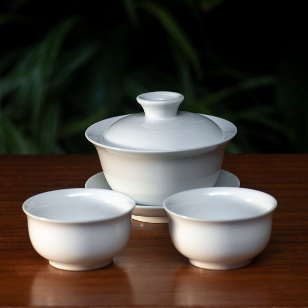 Porcelain Gaiwan and cups