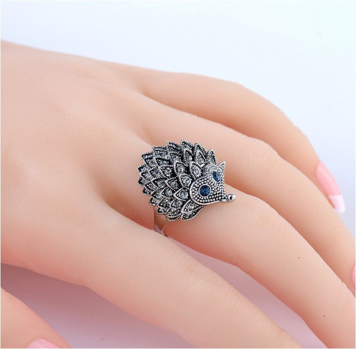 Vintage Punk Ring Unique Carved