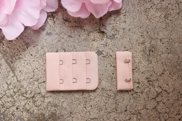 1 Set Shell Pink Hook & Eye 2 Rows 1.5""