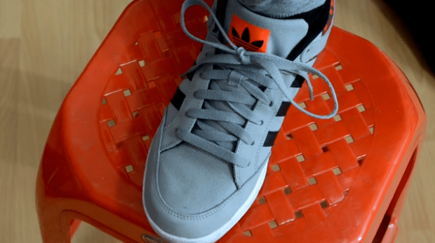 Two Second Shoelace-Tying Technique