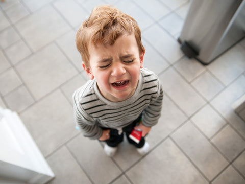 handle child tantrums