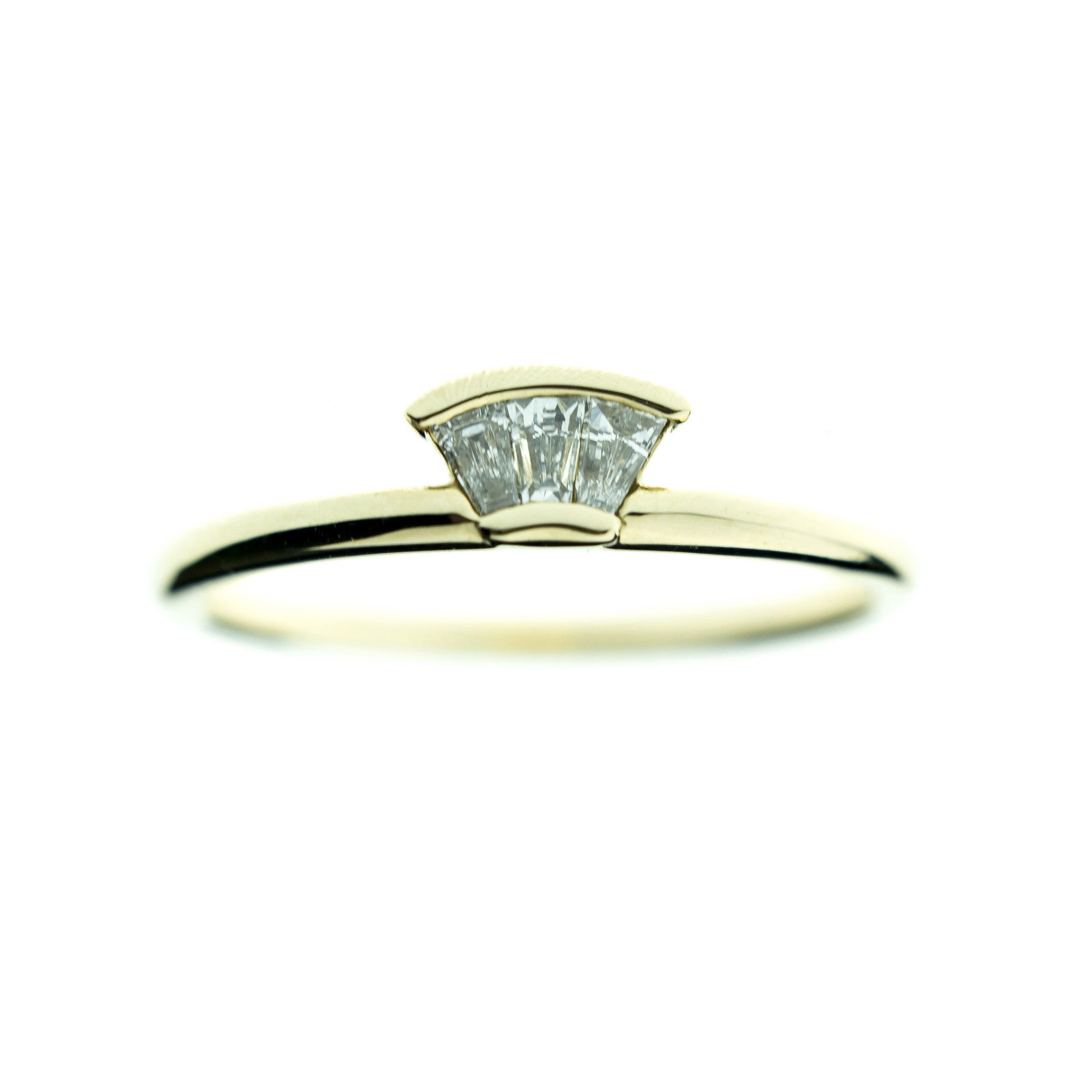 Diamond Deco Fan Ring