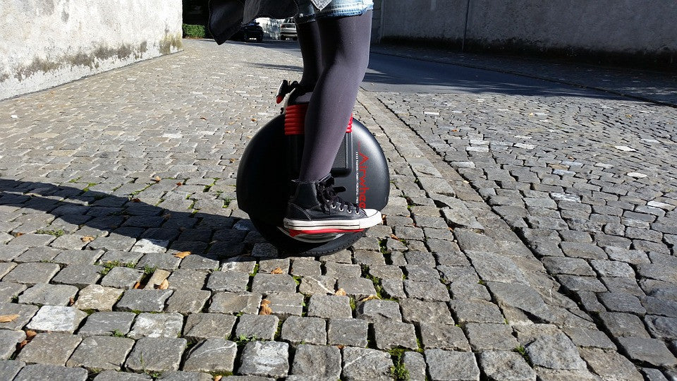 Electric Unicycle Vs Hoverboards - Which one should you go for?