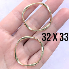 Irregular Round Deco Frame for UV Resin Filling | Wavy Circle Open Frame | Resin Jewelry DIY (2 pcs / Gold / 32mm x 33mm)