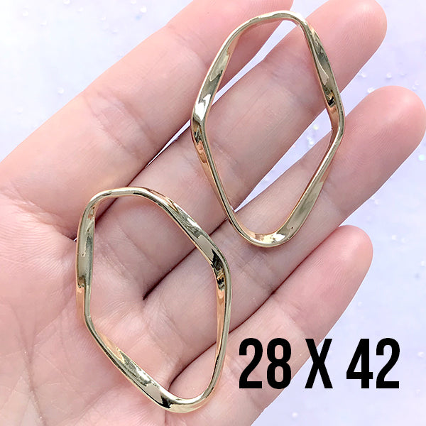 Large Oval Open Back Frame with Irregular Wavy Border | Oval Deco Frame for Resin Jewellery Making (2 pcs / Gold / 28mm x 42mm)