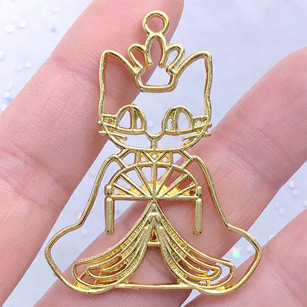 Japanese Hina Doll Cat Empress Open Backed Bezel Pendant | Hinamatsuri Doll Deco Frame for UV Resin Filling (1 piece / Gold / 34mm x 45mm)