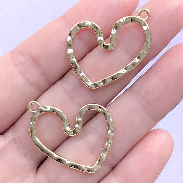 Irregular Heart Open Bezel Pendant | Deco Frame for UV Resin Filling | Kawaii Jewelry Making (2 pcs / Gold / 26mm x 23mm)
