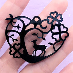 Forest Deer Acrylic Open Back Bezel in Heart Shape | Fairy Tale Deco Frame for UV Resin (1 piece / Black / 49mm x 39mm / 2 Sided)