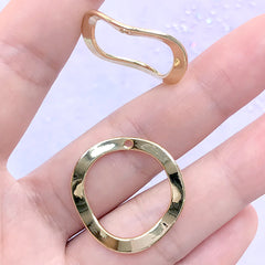 Wavy Round Frame Charm | Hollow Deco Frame for UV Resin Filling | Dainty Jewelry DIY (2 pcs / Gold / 25mm x 24mm)