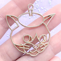 Artist Cat with Beret Hat Open Bezel for UV Resin Filling | Cute Animal Deco Frame | Kawaii Resin Jewelry Making (1 piece / Gold / 41mm x 43mm)