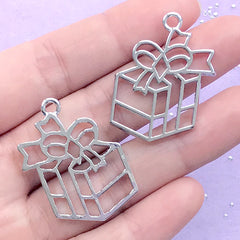 Christmas Gift Open Bezel Charm | Christmas Present Deco Frame | UV Resin Jewellery DIY (2 pcs / Silver / 25mm x 34mm)
