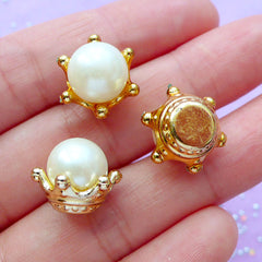 Crown with Pearl Cabochon in 3D | Hair Bow Center | Kawaii Craft Supplies | Embellishments for Fairy Bottle | Decoden Phone Case (6pcs / 15mm x 12mm)