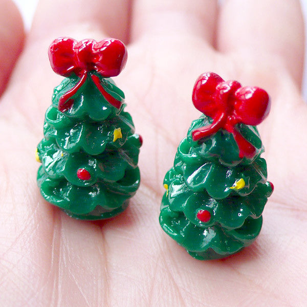 3D Christmas Tree Cabochons | Miniature Christmas Ornaments | Christmas Fairy Garden Supplies | Christmas Party Table Scatter | Xmas Decoration | Christmas Embellishment (2 pcs / 13mm x 21mm)