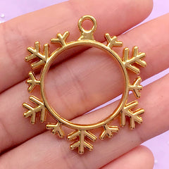 Snowflake Open Backed Bezel Charm | Snow Flake Pendant | Christmas Deco Frame | UV Resin Jewellery DIY (1 piece / Gold / 34mm x 38mm)