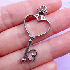 Heart Key Open Bezel Pendant | Kawaii Key Charm | Mahou Kei Jewellery Making | Deco Frame for UV Resin Filling (1 piece / Silver / 18mm x 41mm)