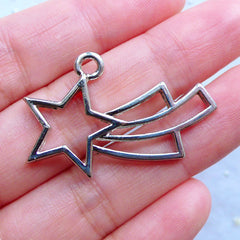 Kawaii Shooting Star Open Back Bezel | Mahou Kei Charm | Magical Girl Jewellery Making | Deco Frame for UV Resin Crafts (1 piece / Silver / 35mm x 23mm)