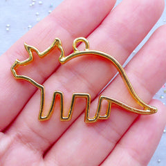 Dino Open Backed Bezel Pendant | Triceratops Charm | Dinosaur Deco Frame for UV Resin Craft | Kawaii Jewelry Making (1 piece / Gold / 47mm x 28mm)