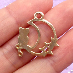 Moon and Kitty Open Bezel | Magical Girl Charm | Kawaii Deco Frame for UV Resin Filling | Crescent Moon and Cat Pendant (1 piece / Gold / 21mm x 24mm)