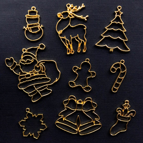 Christmas Open Bezel Assortment | Santa Claus Christmas Tree Snowflake Candy Cane Snowman Reindeer Gingerbread Man Stocking Jingle Bell Charms (9pcs / Gold)