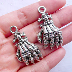 Creepy Skeleton Hand Charms | Silver Skull Hand Pendant | Metal Halloween Charm | Gothic Jewellery DIY (2pcs / Tibetan Silver / 21mm x 38mm)