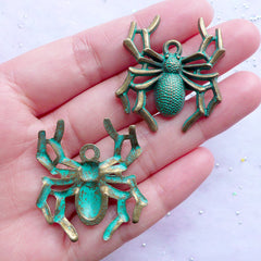 Large Spider Green Patina Pendant | Big Insect Charms | Halloween Decoration | Spooky Jewellery DIY (2 pcs / Antique Bronze / 31mm x 35mm)