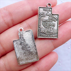 Utah State Charms | State of United States Pendant | USA State Tag | Patriotic American Jewellery Making (3pcs / Tibetan Silver / 16mm x 26mm)