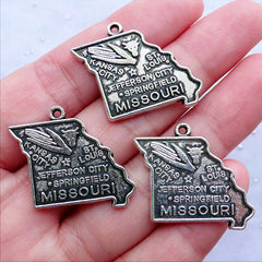 State of Missouri Charms | United States Charm | Amercian State Pendant | US Patriotic Charm | USA Jewelry Making (3pcs / Tibetan Silver / 26mm x 24mm)