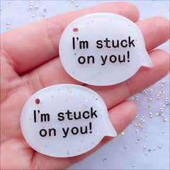 I'm Stuck On You Pendant with Glitter | Glittery Bubble Speech Charms | Word Cabochons | Gift for Girlfriend | Valentines Day Gift Decoration | Scrapbook Supplies | Kawaii Kistch Crafts | Bag Charm Making (2 pcs / White / 40mm x 30mm / Flat Back)