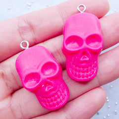 Skull Head Cabochons with Eye Pin | Spooky Resin Charm | Halloween Jewellery Making | Party Decoration Supplies | Kawaii Goth Phone Case | Gothic Decoden Pieces (2pcs / Hot Pink / 19mm x 33mm / Flat Back)