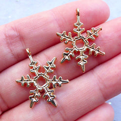 Snow Charms | Gold Snowflake Drop | Snow Flake Pendant | Christmas Charm | Winter Jewellery | Small Christmas Ornament | Party Supplies (2pcs / Gold / 18mm x 25mm)