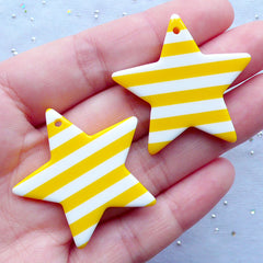 Big Star Charms with Stripe Pattern | Kawaii Star Pendant | Kitsch Resin Jewellery Supplies | Harajuku Kei Decoden (2 pcs / Yellow / 36mm x 34mm / 2 Sided)