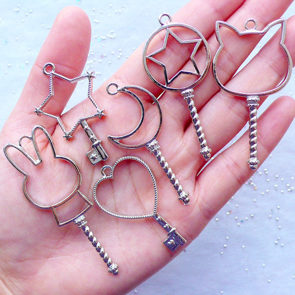 Assorted Key Open Bezel Charms | Kawaii Magic Wand Pendant | Blank Deco Frame for UV Resin Craft | Magical Girl Jewelry Findings (6pcs / Silver)