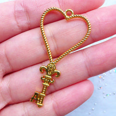 Playing Card Key Open Bezel with Heart Suit | Kawaii Key Charm | Hollow Deco Frame for UV Resin Crafts (1 piece / Gold / 23mm x 46mm)