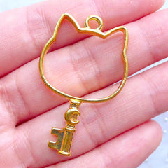 Mahou Kei Open Bezel | Cat Head with Moon Key Open Back Bezel Pendant | Magical Wand Charm for Kawaii UV Resin Crafts (1 piece / Gold / 25mm x 41mm)