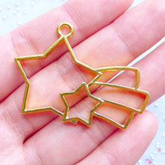 Kawaii Shooting Star Open Bezel Charm | Cute Deco Frame for UV Resin Filling | Fairy Kei Jewelry Making (1 piece / Gold / 44mm x 31mm)