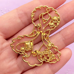 Cruella de Vil Open Bezel Charm | Fairytale Deco Frame for UV Resin Filling | Kawaii Jewellery Supplies (1 piece / Gold / 41mm x 50mm)
