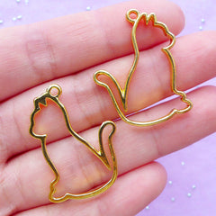 Kawaii Kitty Cat Open Back Bezel Pendant | Kitten Deco Frame UV Resin Filling | Pet Jewelry | Animal Outline Charm (2pcs / Gold / 24mm x 30mm)