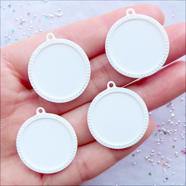 20mm Cabochon Settings | Round Cameo Bases | Resin Bezel Tray | Pendant Setting | Plastic Jewelry Making | Kawaii Findings (4pcs / Cream White)