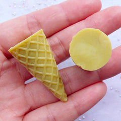 Waffle Cone Cabochons | 3D Ice Cream Cone Cabochon | Miniature Food Making | Kawaii Crafts | Decoden Supplies | Sweets Deco (2pcs / 19mm x 39mm)