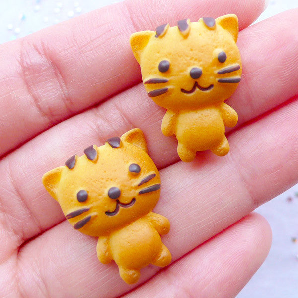 Animal Cookie Cabochons | Kawaii Kitty Cat Cookie Embellishments | Faux Food Cabochon | Fake Sweets Deco | Cute Decoden Pieces | Planner Paper Clip DIY (2pcs / 18mm x 22mm / Flatback)