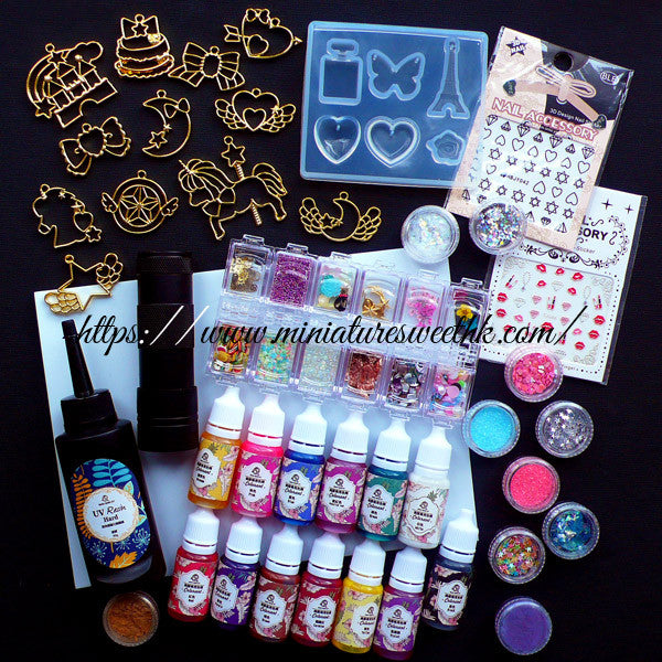 Kawaii UV Resin Craft Kit | Deluxe Set including Cute Open Bezels,  Pigments, Clear Soft Mold, UV Torch, Glitters, Mini Embellishments,  Stickers,