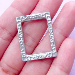 Dollhouse Wall Painting Frame | Miniature Picture Frame in Rectangular Shape | 1:12 Scale Doll House Decoration (Silver / 22mm x 28mm)