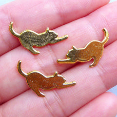 Cat Stretching Charms | Pet Embellishments | Kawaii Metal Filling Materials for UV Resin | Epoxy Resin Craft Supplies (3pcs / Gold / 17mm x 14mm)