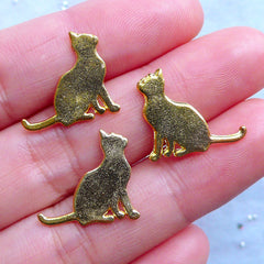 Cat Staring at Sky Charms | Kawaii Kitty Embellishments | Small Filling Material for UV Resin Crafts (3pcs / Gold / 17mm x 15mm)