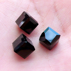 Square Cube Shaped Glass Gems | Cubic Glass Jewels with Flat Back Corner | Glue On Glass Rhinestones | Faceted Square Crystal | Jewellery Craft Supplies (4pcs / 8mm / Black)